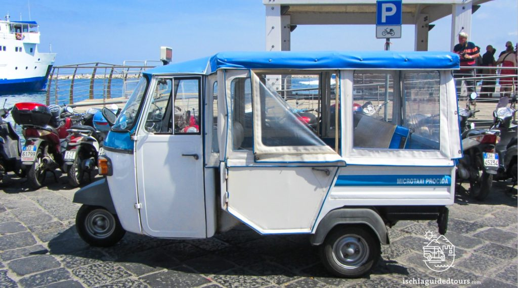 Micro taxi tour of Procida, Tuk tuk Procida, Procida tours, Procida apecar., Procida island, private tour of Procida, Ischia guided tour