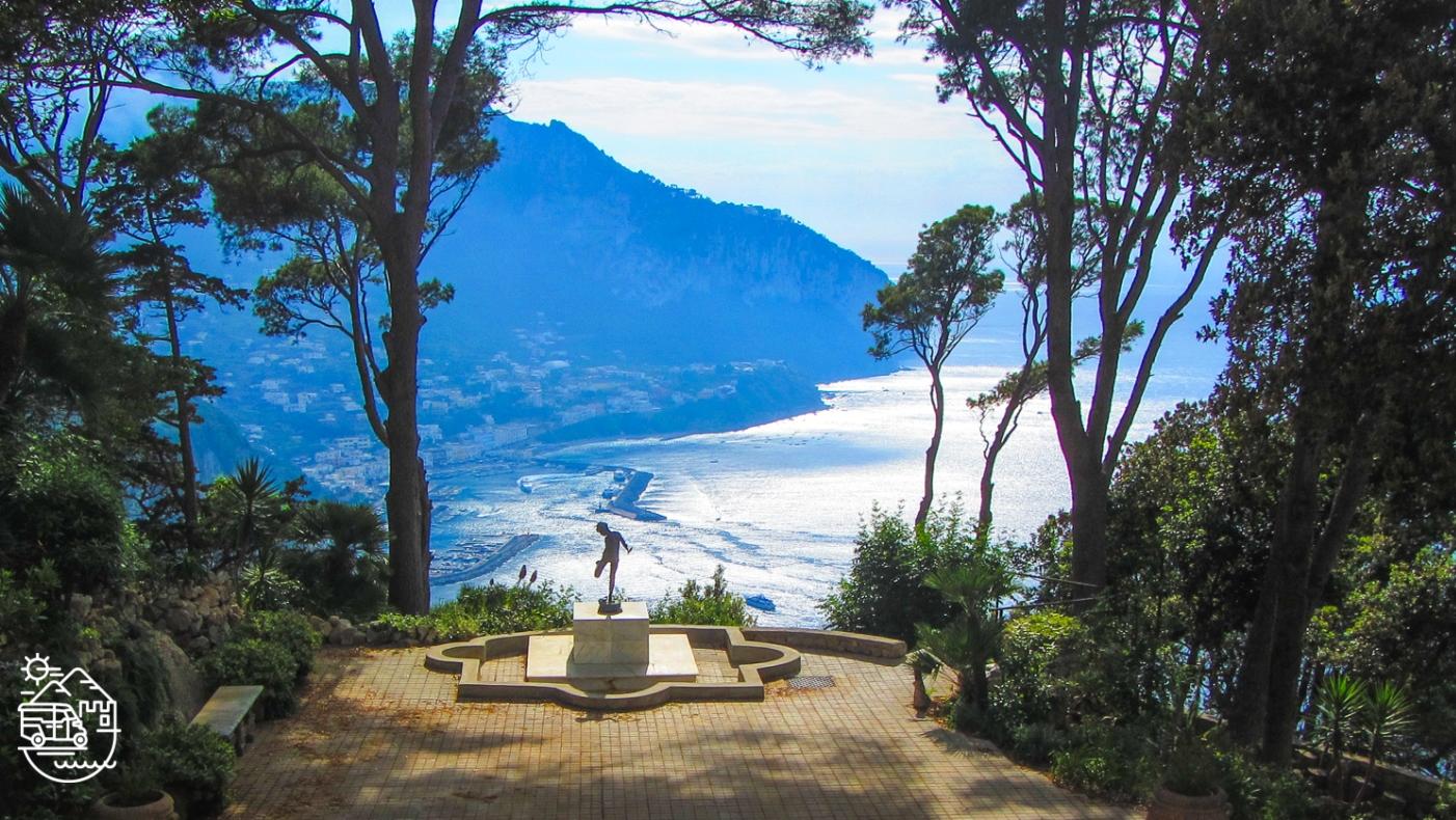 Villa Lysis or Villa Fersen in Capri, Chairlift to Mount Solaro in Anacapri, Capri, Axel Munthe's Villa San Michele in Anacapri, Punta Carena lighthouse, Capri, Capri island, Arco Naturale, Capri, Anacapri, Ischia, Italy, Blue Grotto, Faraglioni, Mediterranean, Axel Munthe, guided tours of Capri, Italian islands, Amalfi coast, guided tours of Ischia, tour of Capri, Fortini walk, the path of the old forts, Monte Solaro, chairlift in Capri