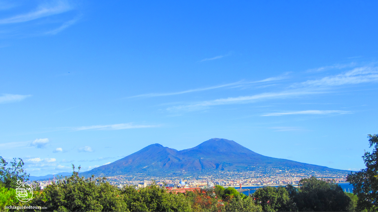 Naples, Naples walking tour, Vesuvius, Napoli tours, Tour of Naples, Guided tour of Naples, Mount Vesuvius, Naples guided tours, Pompeii, Naples Greek city, Naples pizza, Naples volcano, Naples excursion, what to see in Naples, Visit Naples, day trip Naples, Naples museums, Naples city, Naples port, Naples Ischia