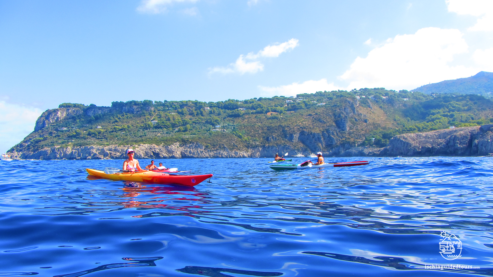 Kayaking in Procida, Procida kayak, outdoor sports in Procida, outdoor sport in Ischia, Procida activities, Procida tour, Procida beaches, watersports in Procida, watersports in Ischia, sea activities in Procida, sea sporta in Ischia, canoe tour in Procida, kayak tour in Procida, outdoor activities in Ischia, fun activities in Procida, Ischia tours, Procida tours